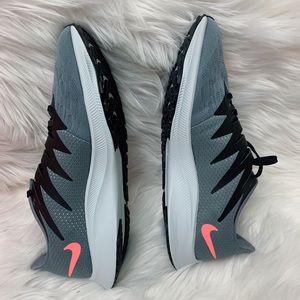 Nike room rival fly sneaker